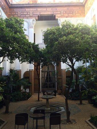 رياض لاروزا: Courtyard
