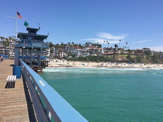 San Clemente, Californie : Great seafood at the base of the pier.
