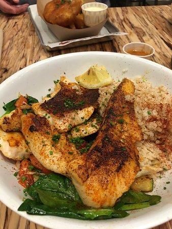 เบรีย, แคลิฟอร์เนีย: Fish plate.. meh