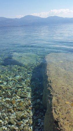 Aigio, Greece: L'eau est magnifique