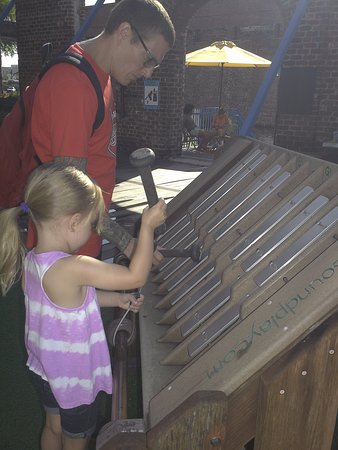 Savannah Children's Museum: making music
