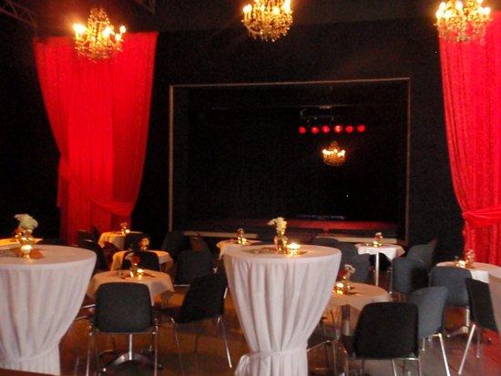 Hutzi - VarieteTheater & Dinnerclub