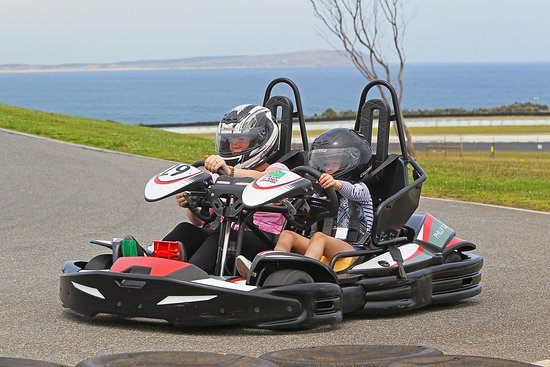 Ventnor, Australia: Tandem Go Karts for the kids