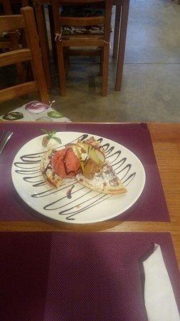 Le Petit Crepes & Waffles