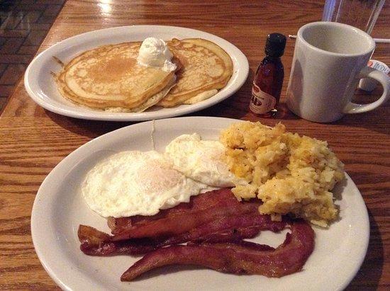 Monroe, MI: Breakfast for dinner.