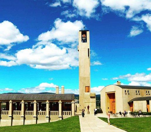 West Kelowna, كندا: Fabulous shot taken of Mission Hill on our West Kelowna Wine Trail