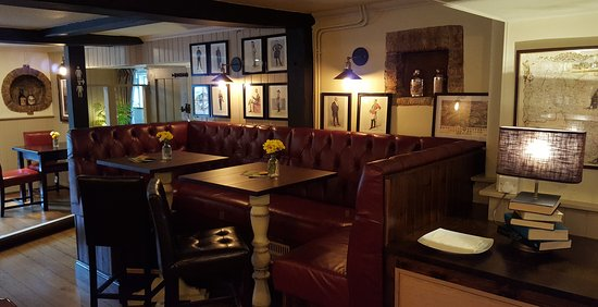 Kidlington, UK: Newly refurbished bar area