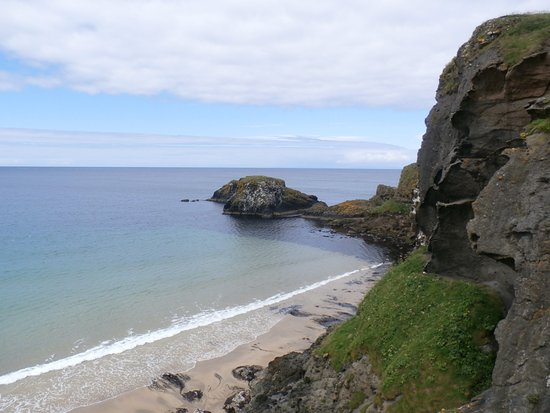 Ballintoy, UK: View of the island from the pathway