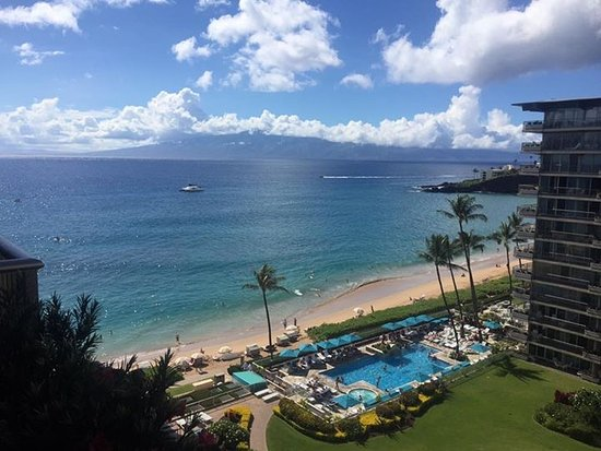 Aston at The Whaler on Kaanapali Beach: View from the room of Kaanapli beach.
