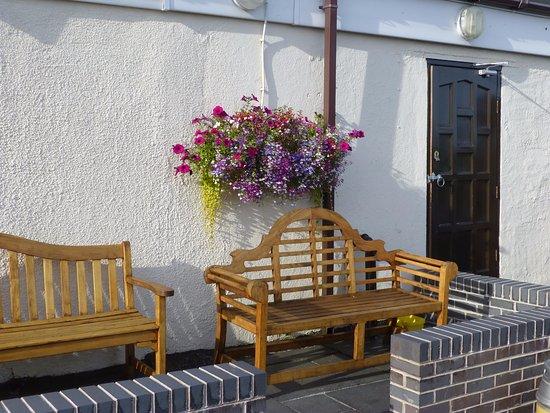 Lymm, UK: Outside Seating