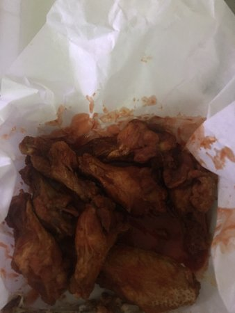 Ballpark Pizza & Subs: Flame challenge wings