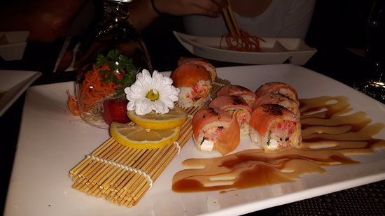 sushi frit trop bon picture of phuket montreal tripadvisor. Black Bedroom Furniture Sets. Home Design Ideas