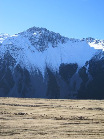 Mt. Cook Village, Selandia Baru: Part of the South Alps taken from The Hermitage at Mt Cook national park