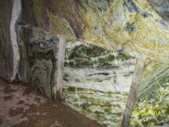 Moycullen, Irlanda: Slabs of marble waiting to be worked