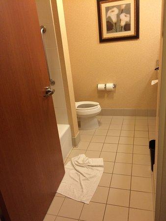 Fairfield Inn & Suites Kelowna : photo1.jpg
