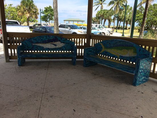 Fort Pierce, FL: gazebo with stone fish benches at the parking lot