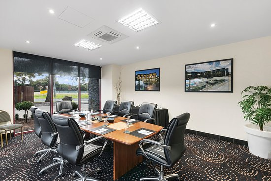 Quality Hotel Taylors Lakes: Board room