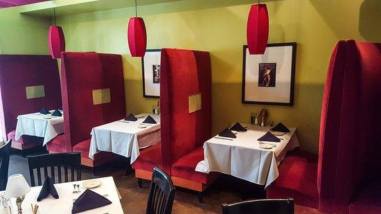 Irvington, VA: Classic booths