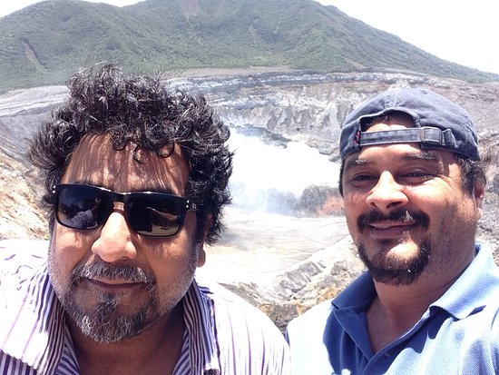Poas Volcano National Park, Costa Rica: Farhan and Francisco before thinking about losing weight !