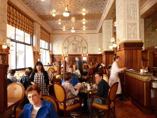 Art Deco Imperial: Excellent food, excellent service!