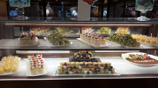 Regal Kowloon Hotel: Lunch deserts