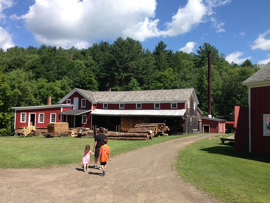 Meredith, NY: Walking up to the mill