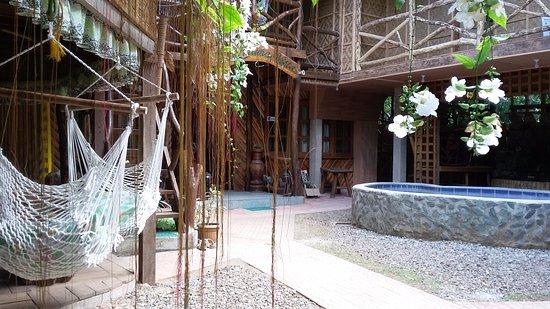 Дауис, Филиппины: Rest area below a room