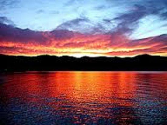 การ์เดนซิตี, ยูทาห์: Sunset on The Lake