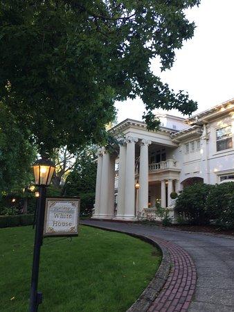 Portland's White House: photo0.jpg