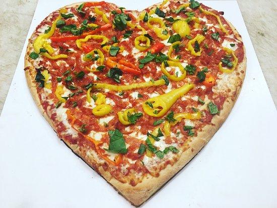 Chatham, Καναδάς: Pie-Zano's Authentic Italian Pizza