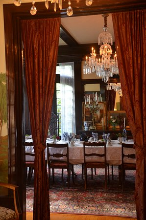 Portland's White House : The view into the Breakfast Room