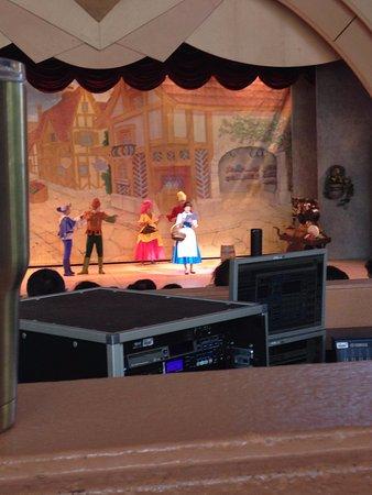 Disney's Hollywood Studios: Belle singing