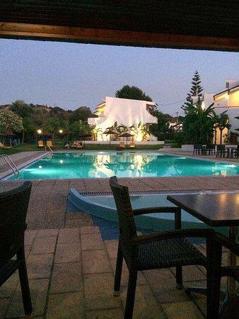 瓦連村酒店照片