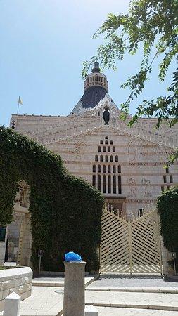 The Fauzi Azar Inn: On the free tour