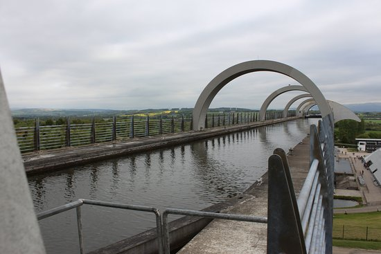 Falkirk, UK: The top of the wheel/canal