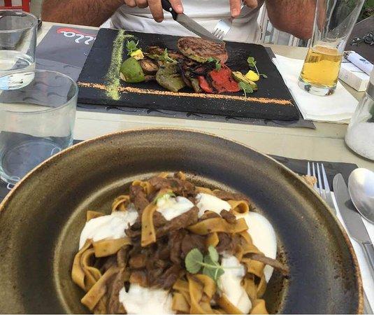 Olla Mykonos : ταλιατέλες με μοσχαρι και steak με ψητα λαχανικά