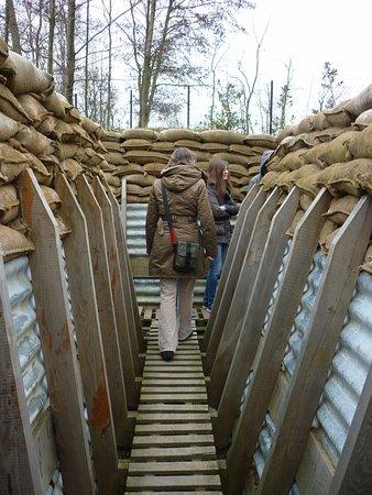 Zonnebeke, เบลเยียม: In de loopgraven