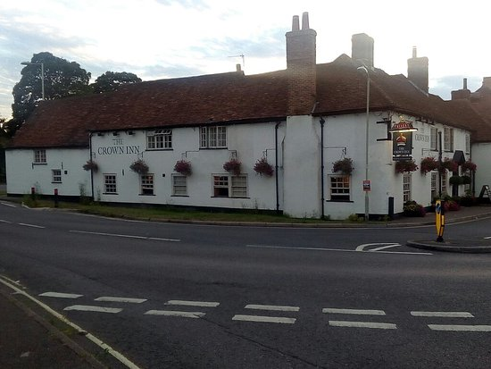 The Crown Inn: Fabulous dinner, nice service, great atmosphere and deliciously tasty food, v.good quality. Perf