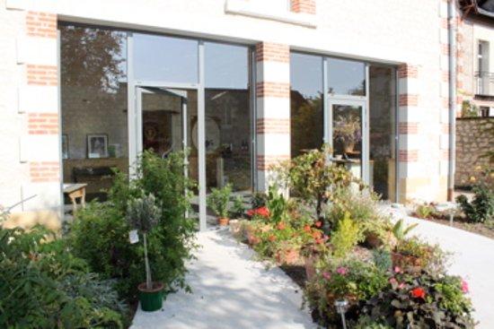 Chinon, Prancis: Exterieur de la salle de dégustation