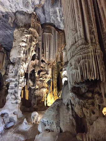 Oudtshoorn, Sudáfrica: Another spectacular column that was formed over millions of years.