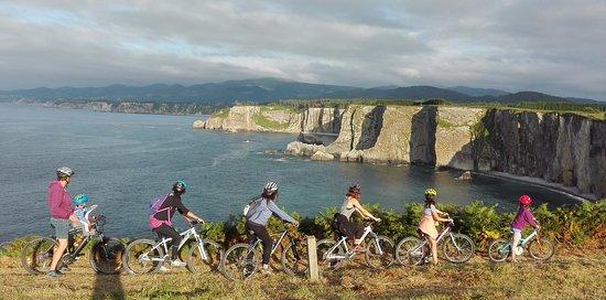 Navia, Hiszpania: Ruta didáctica en Bici por la Senda Costera Occidental