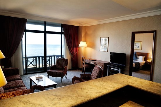 The BayView Hotel : Connected Executive Family Rooms