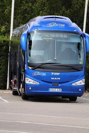 Corbera de Llobregat, Испания: El bus mas reconocible de todos, el azul AUTOCORB