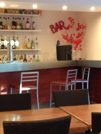 Charentay, Fransa: Le bar