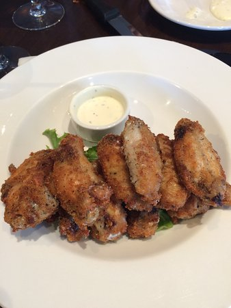 Sechelt, Canadá: My slat and pepper wings!