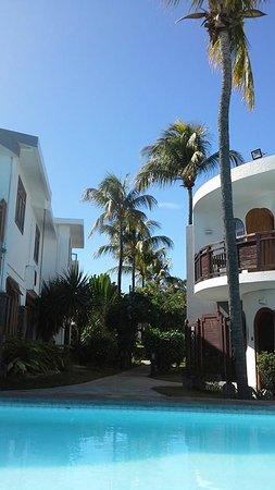 Gold Beach Resort: hotel området sett fra bassenget