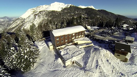 Boutx, France: PIERRES BLANCHES DRONE HIVER