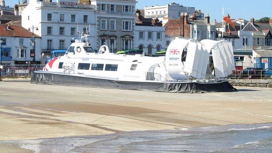 Gracellie Hotel Ryde Seafront Hovercraft Port