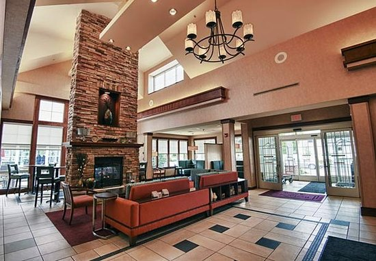 Morgantown, WV: Lobby Fireplace Area