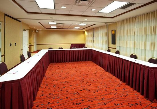 Oak Brook, IL: Meeting Room